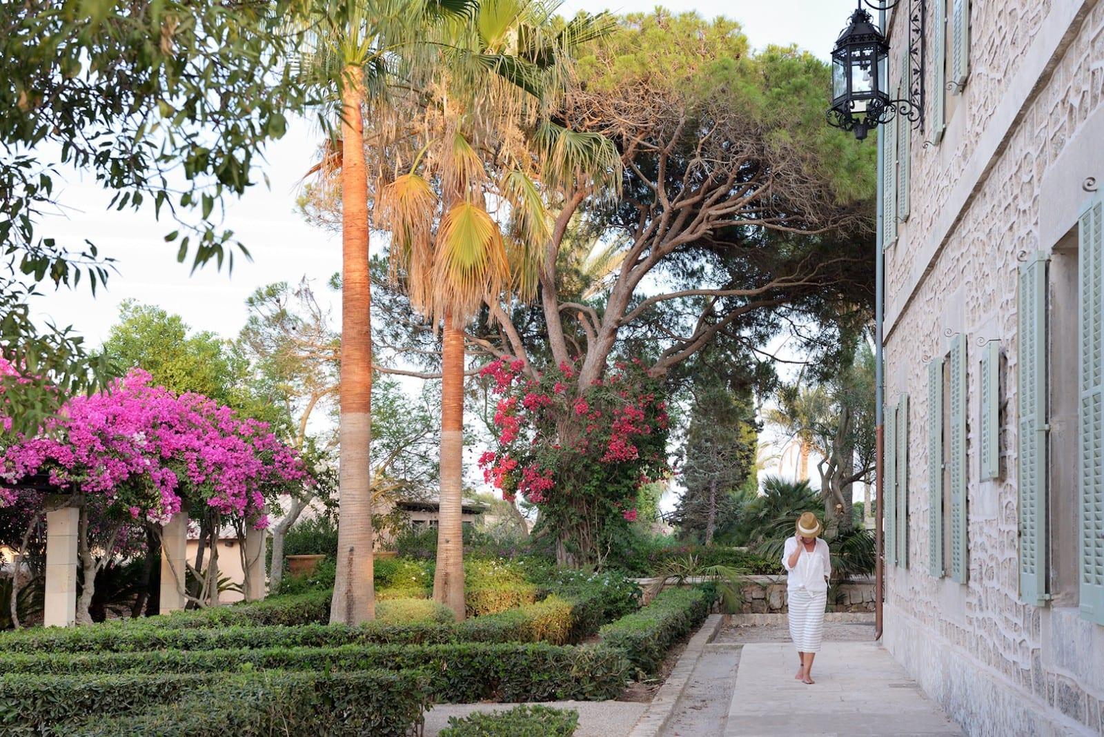 Holistic Retreat Cal Reiet Garden