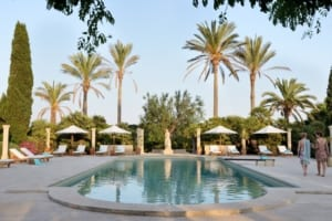 Kleine Version von: Holistic Retreat Cal Reiet Hauptbild Pool