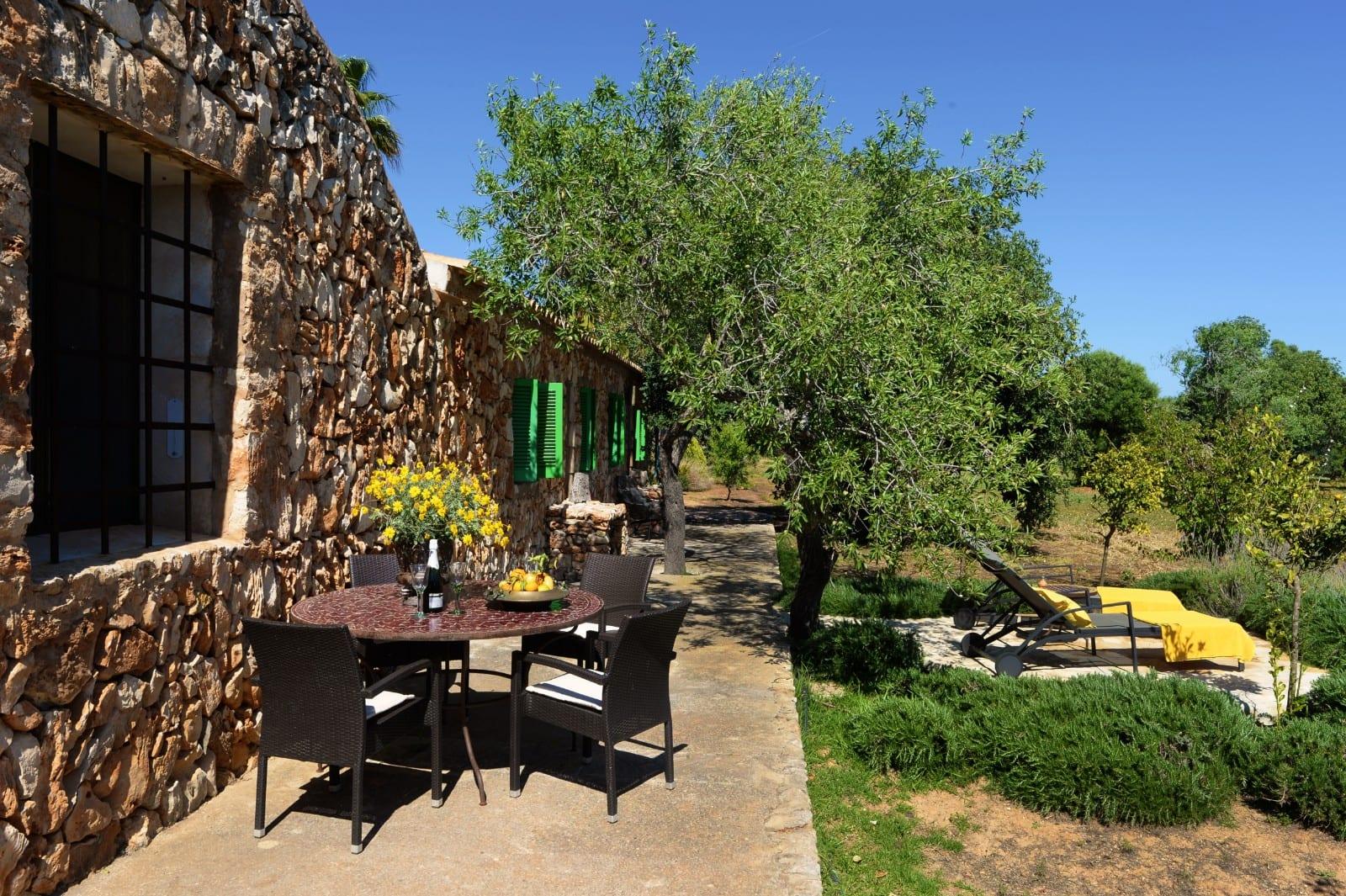 ISLA 01 Finca Santanyi Garten