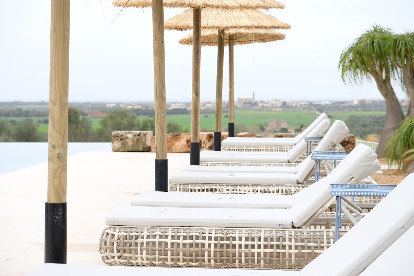 ISLA Hotel Es Turo Ses Salines Sonnenliegen