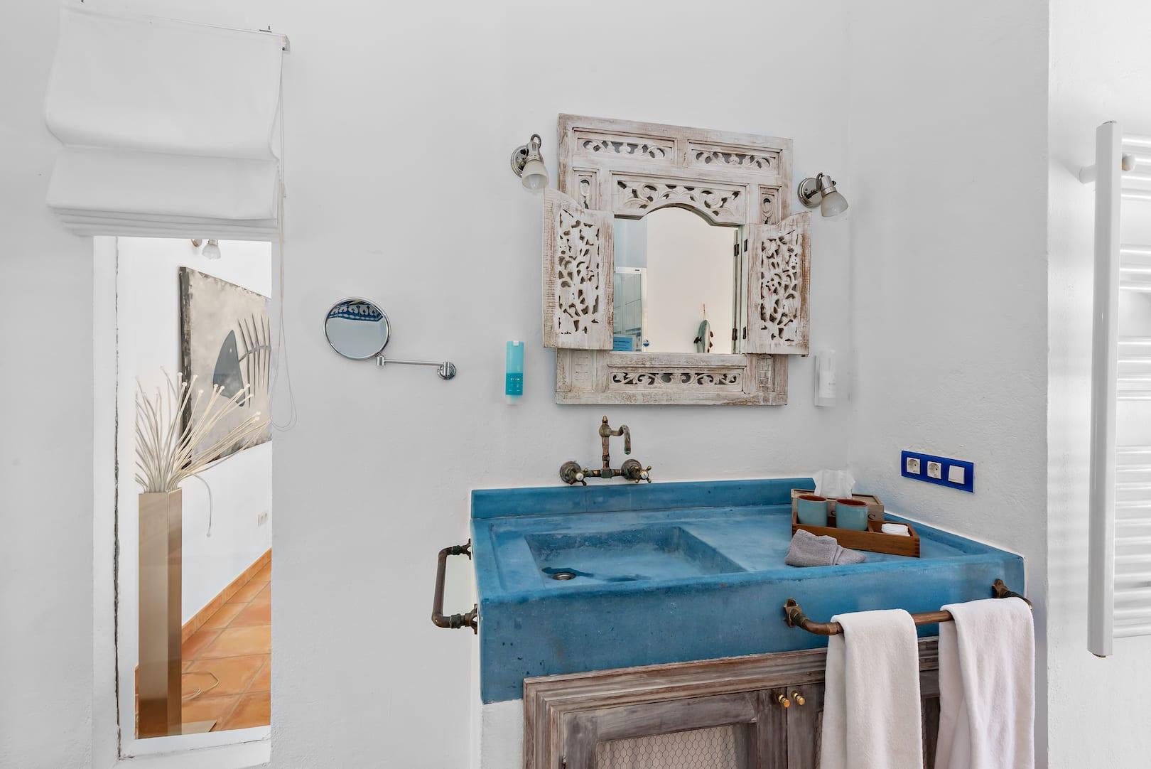 ISLA-Travel-Amapola-Suite-Rosa Badezimmer