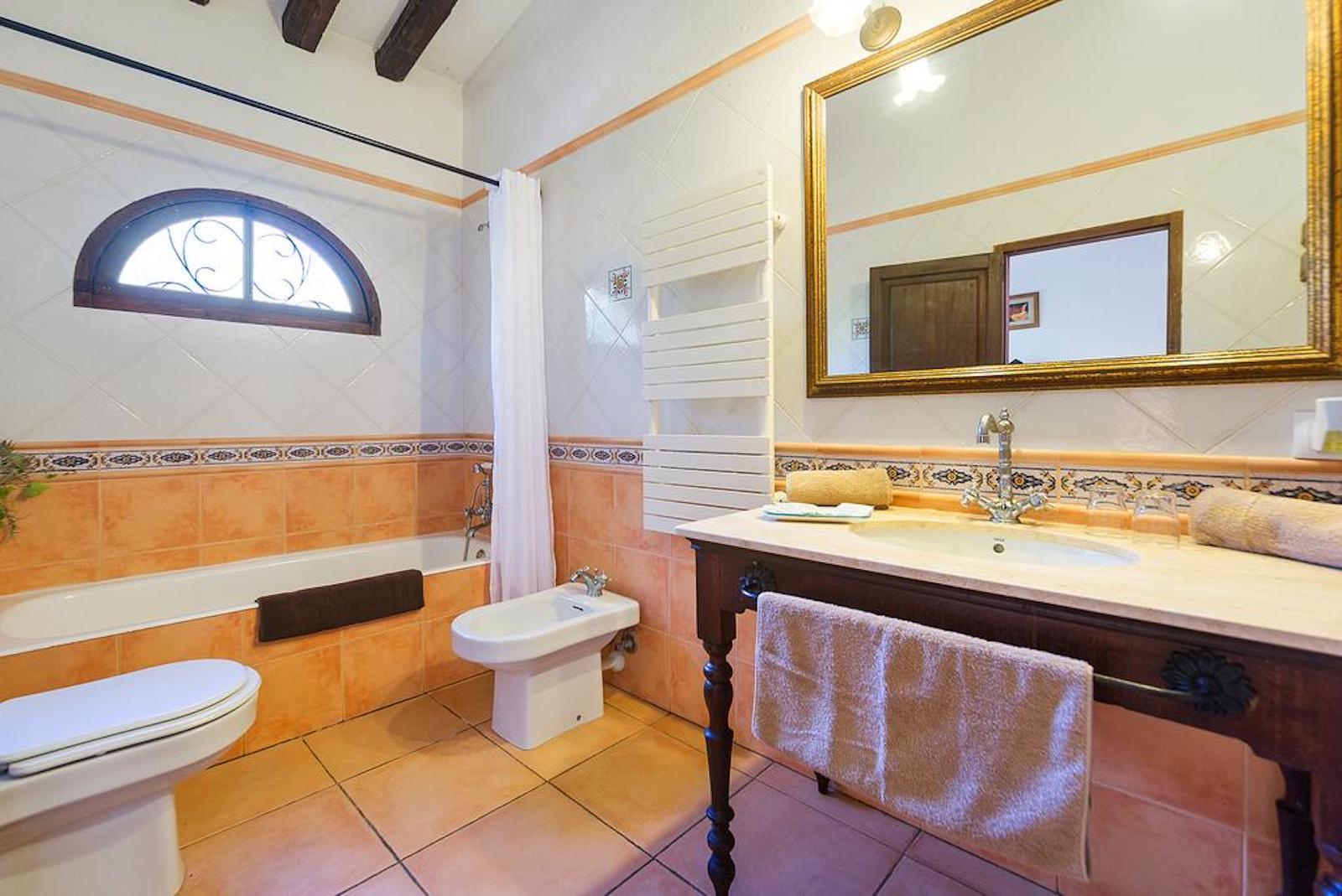 ISLA-Travel-Finca-Hotel-Mallorca-Bad Suite