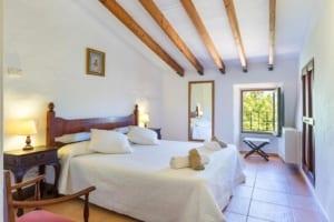 Kleine Version von: ISLA-Travel-Finca-Hotel-Mallorca-Doppelzimmer-deluxe