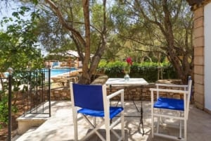 Kleine Version von: ISLA-Travel-Finca-Hotel-Mallorca-Pool-Terrasse