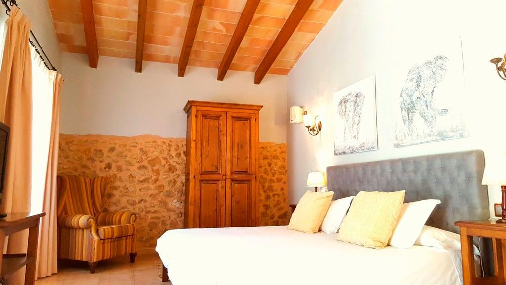 Auf Mallorca: Doppelzimmer mit Terrasse