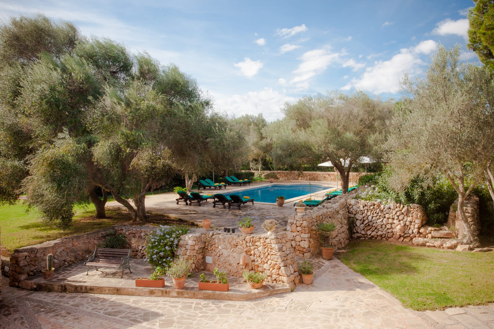 ISLA_Travel_Hotel_Sa_Galera_Poolterrasse