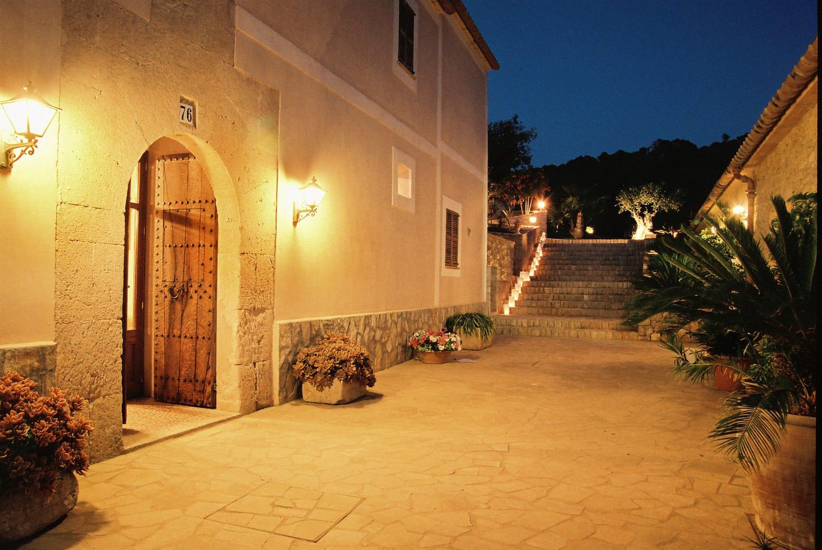 ISLA_Travel_Hotel_SON TERRASSA_Eingang