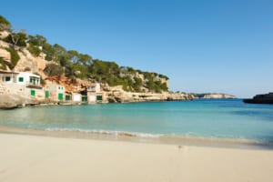 Kleine Version vonYoga meets Pilates - Cala Llombards