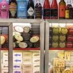 Mallorca, Palma, Wermut Bars,  in der Markthalle Olivar befindet sich die Wermut Bar El Laterio. Spezialisert auf Wermut und Hochwertige Konserven.
